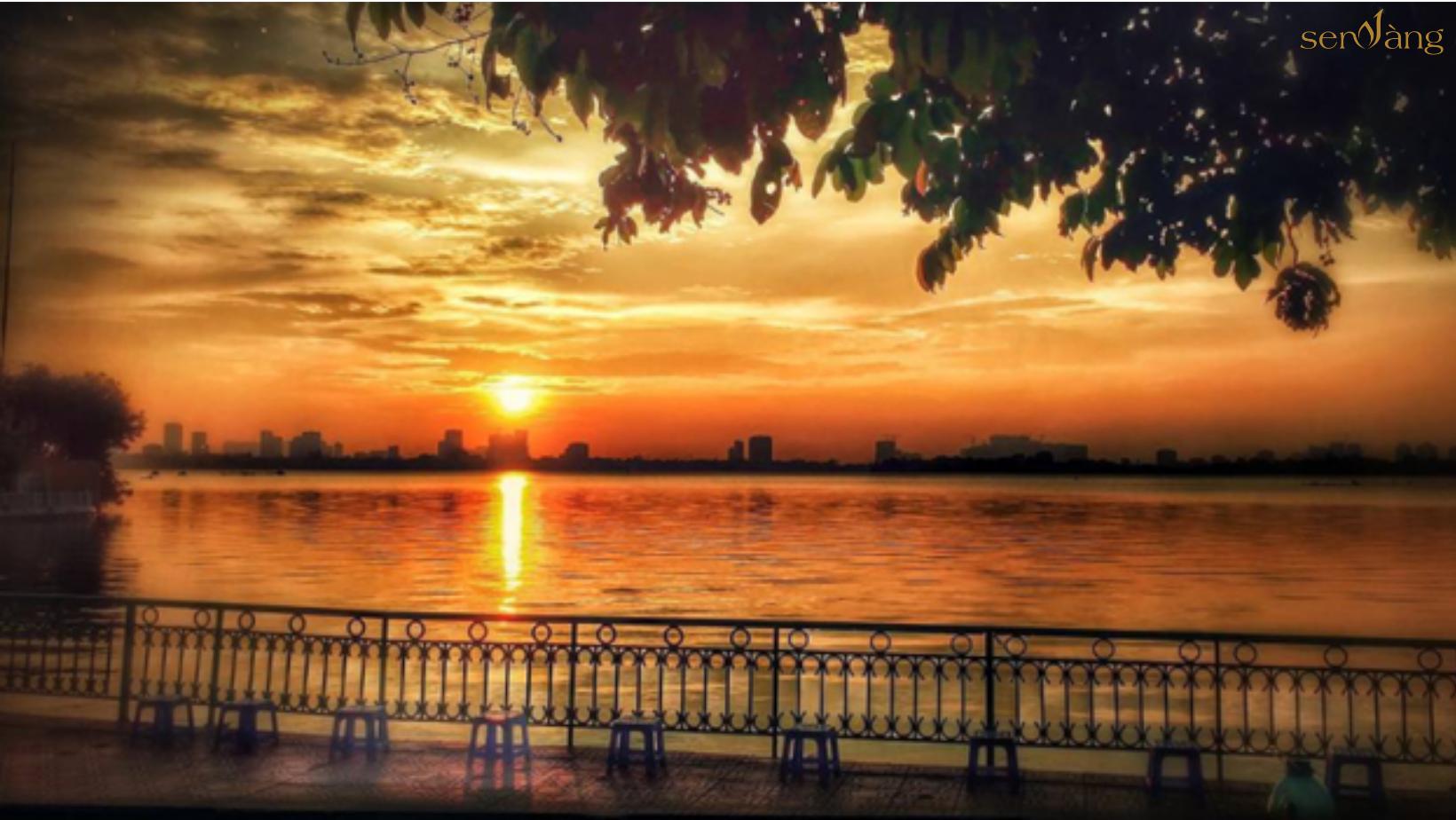 Hồ Tây lãng mạn chiều hoàng hôn